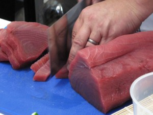 cutting tuna