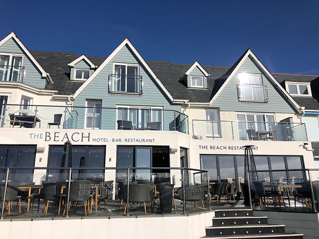SET LUNCH MENU AT THE BEACH AT BUDE